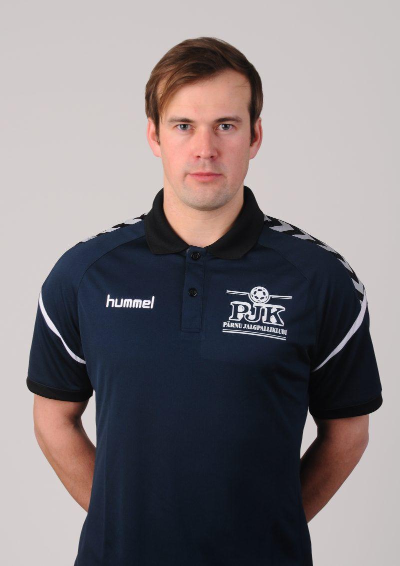 Pärnu Jalgpalliklubiga liitus noortetreener Henri Rüütli